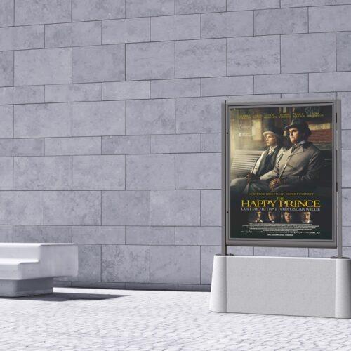 Expositor de mobiliario urbano Toto