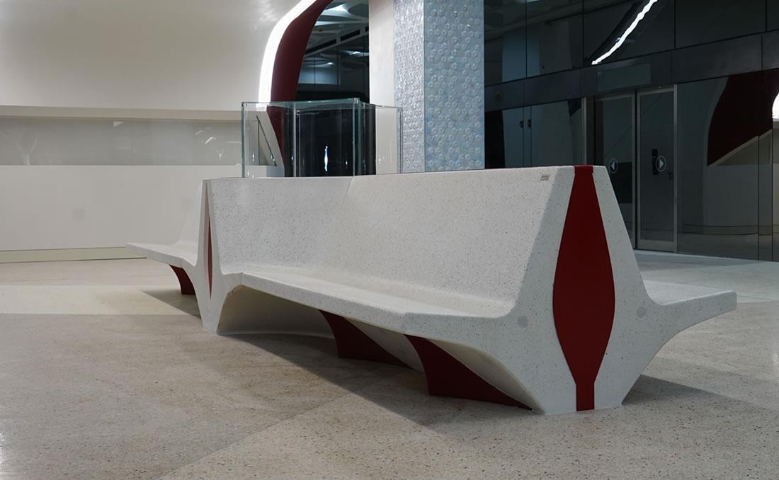 Banco Volta de hormigón prefabricado acabado arenado