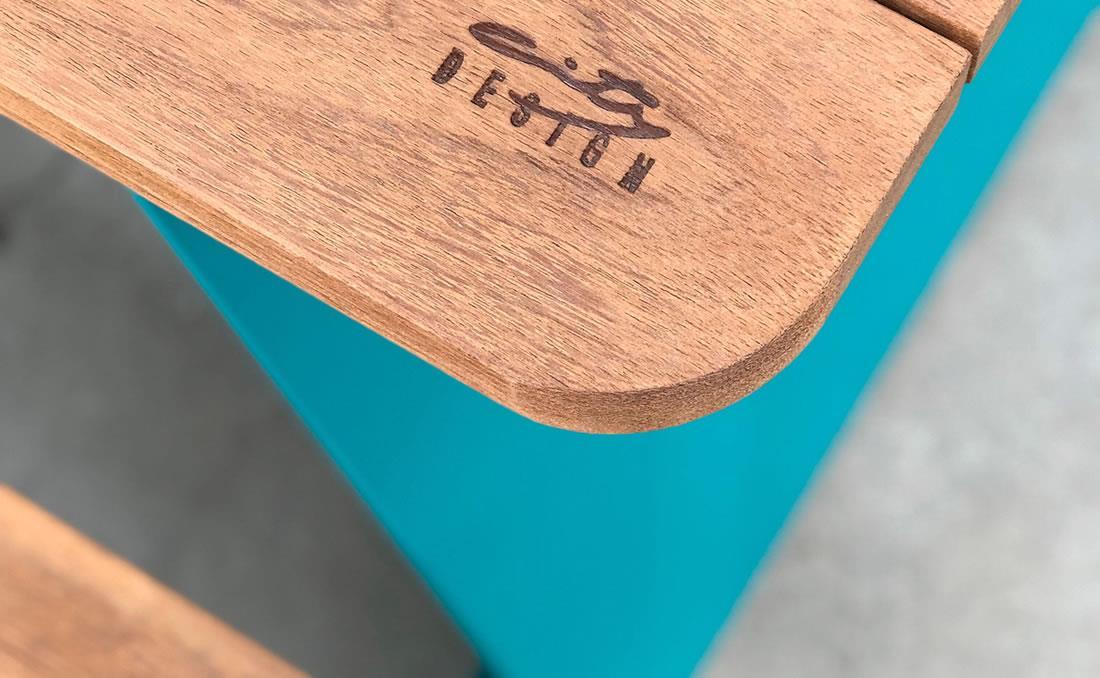 YTER City Design mesa de madera urbana