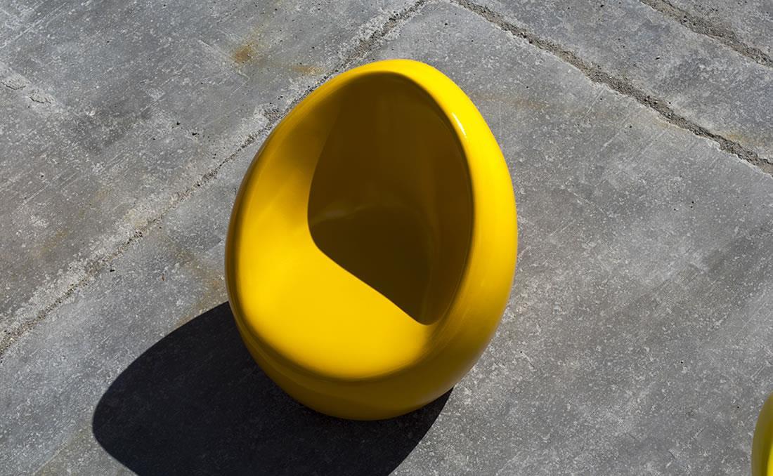 Asiento banco de hormigón horgánico amarillo