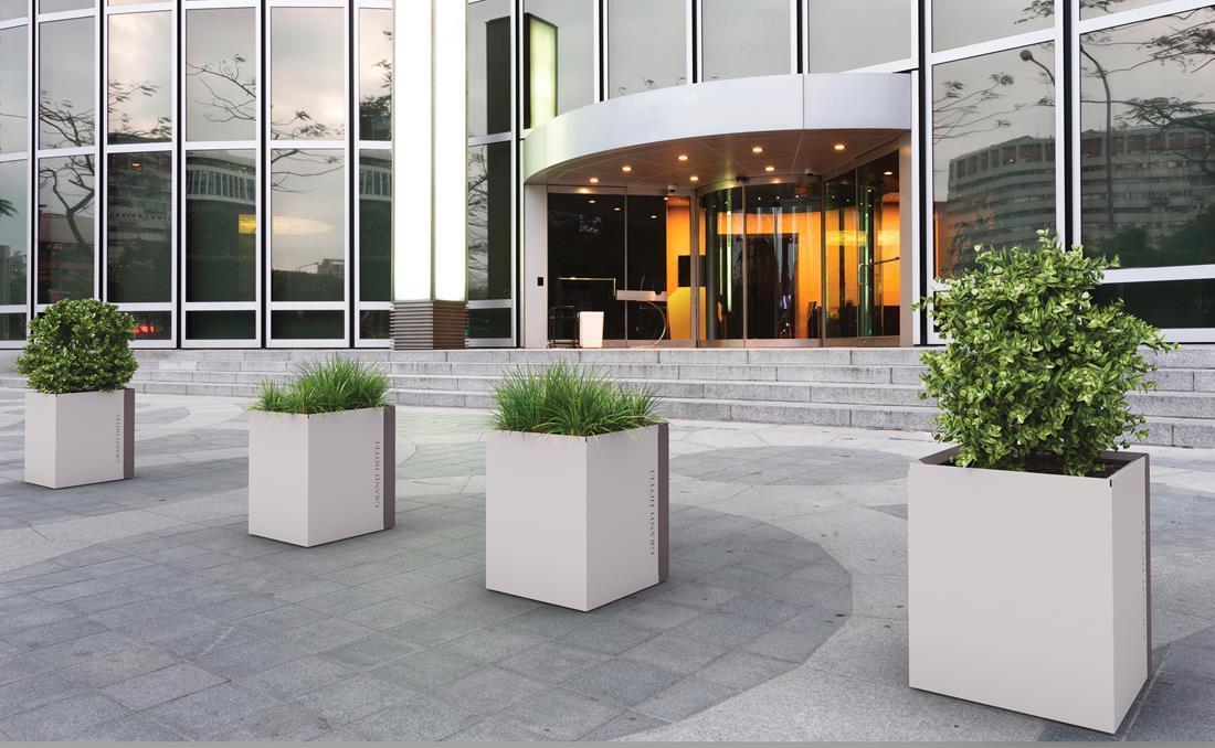 Jardineras exterior urbanas DUO metálicas de acero. Ejemplos