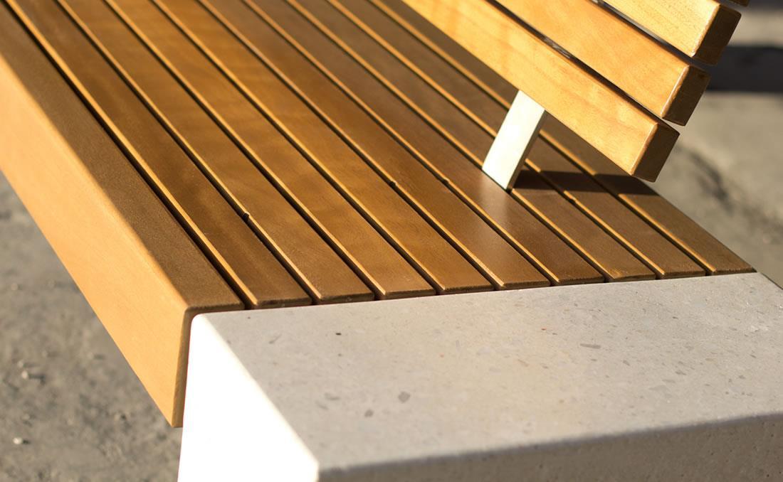 Eraclea banco hormigón con asiento y respaldo de madera