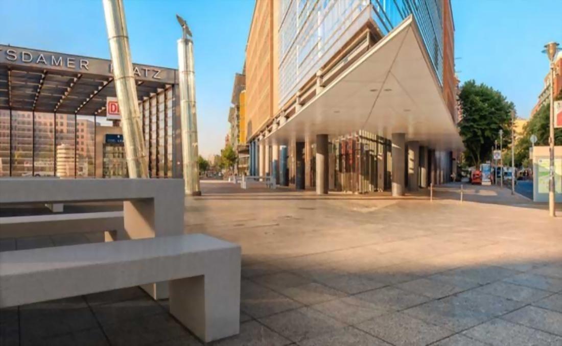 Mesa exterior de hormigón para mobiliario urbano de diseño