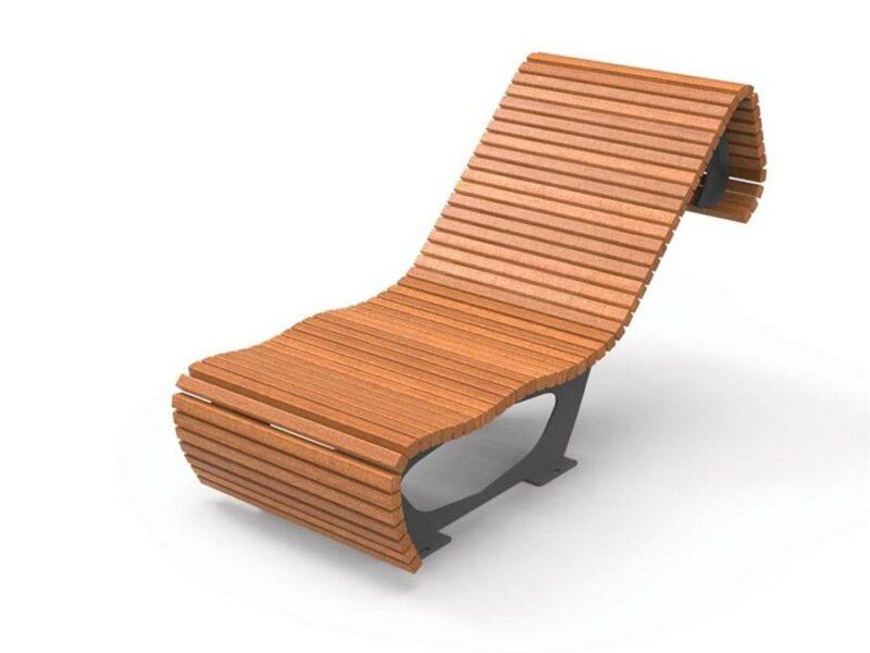 Chaise longue urbana en listones de madera