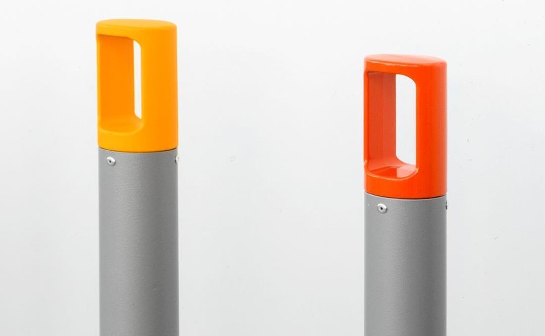 Bolardo de hierro metálico de acero naranja y rojo