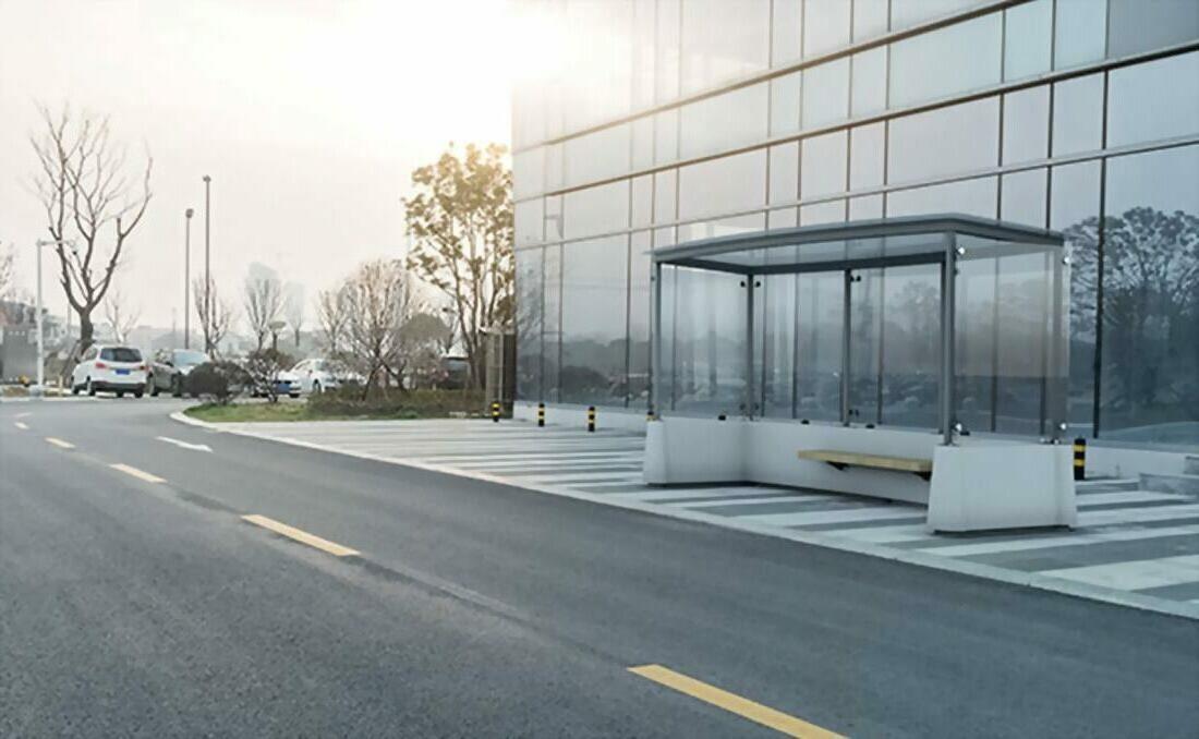 Marquesina autobus vidrio y hormigón sin instalación