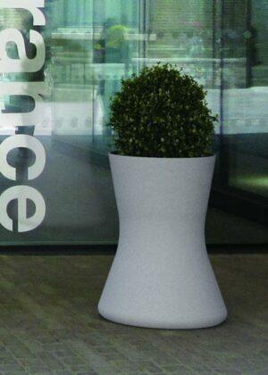 Thin jardinera hormigón diseño moderno mobiliario urbano