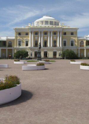 Jardinera Demetra de grandes dimensiones en Palacio.