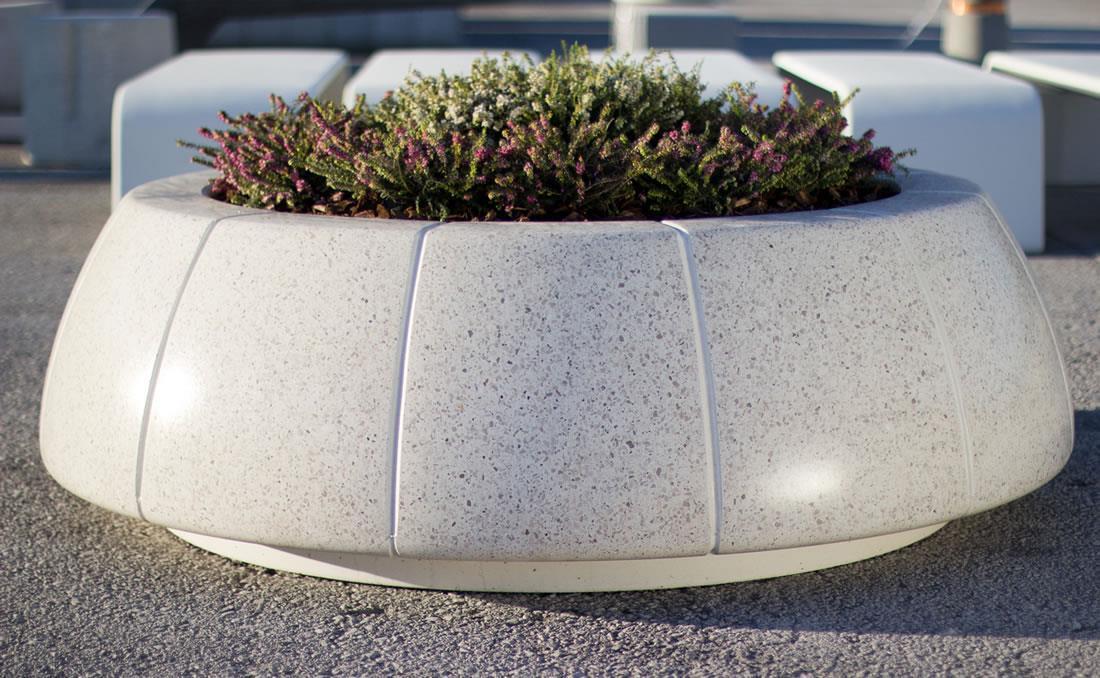 Jardinera Ring Reverse en hormigón prefabricado. Detalle 1.