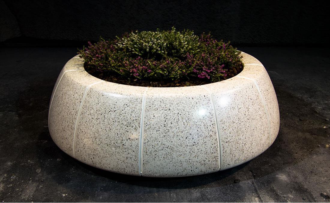 Jardinera Ring Reverse en hormigón prefabricado. Detalle 2.