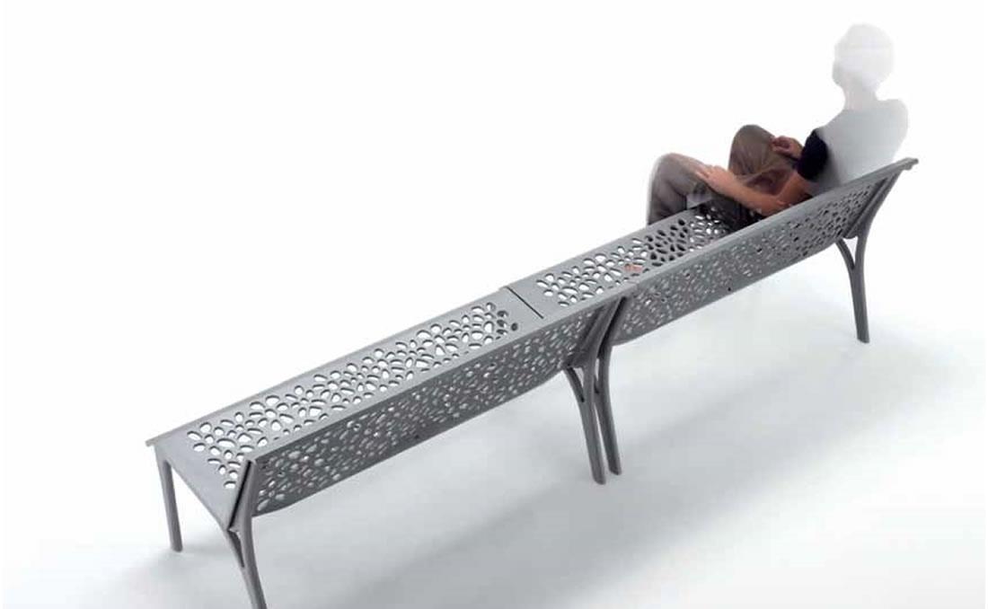 Banco entero de aluminio con respaldo 3D.