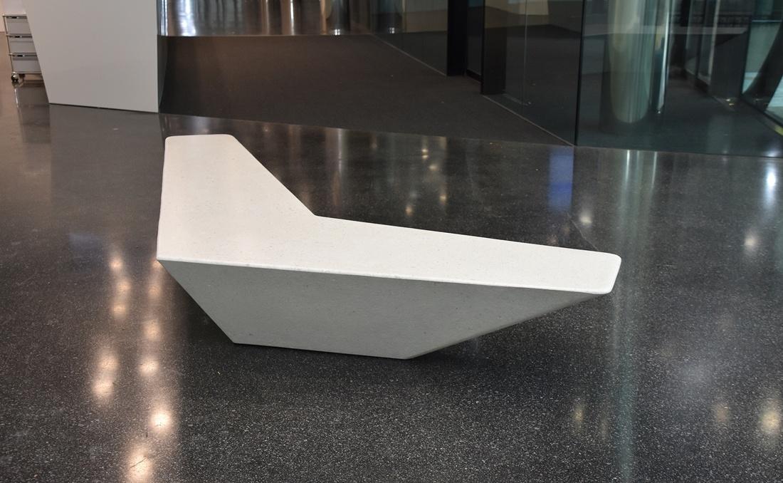 Banco de hormigon doble YTER diseño interior
